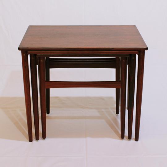 テーブル「ローズウッド・ネストテーブル」