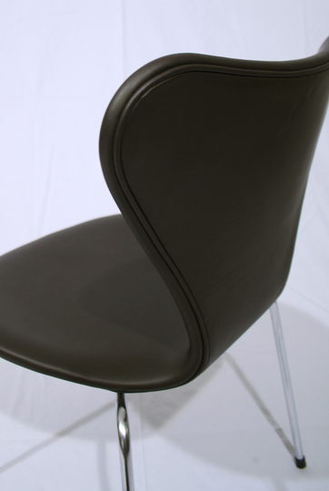 チェア&ソファ「Model-3107 Seven Chair (leather)」