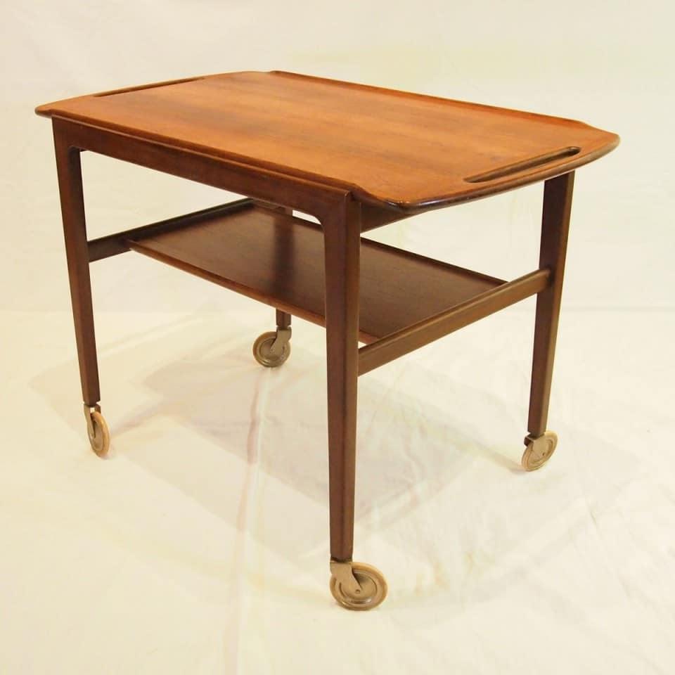 テーブル「カートテーブル」