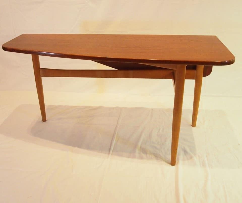 テーブル「バタフライテーブル」