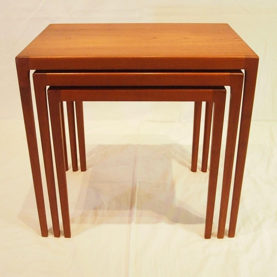 「ネストテーブル」