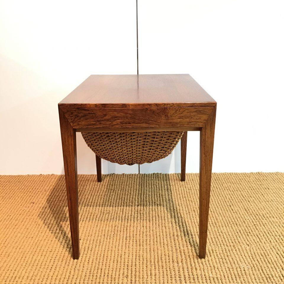 テーブル「ソーイングテーブル」