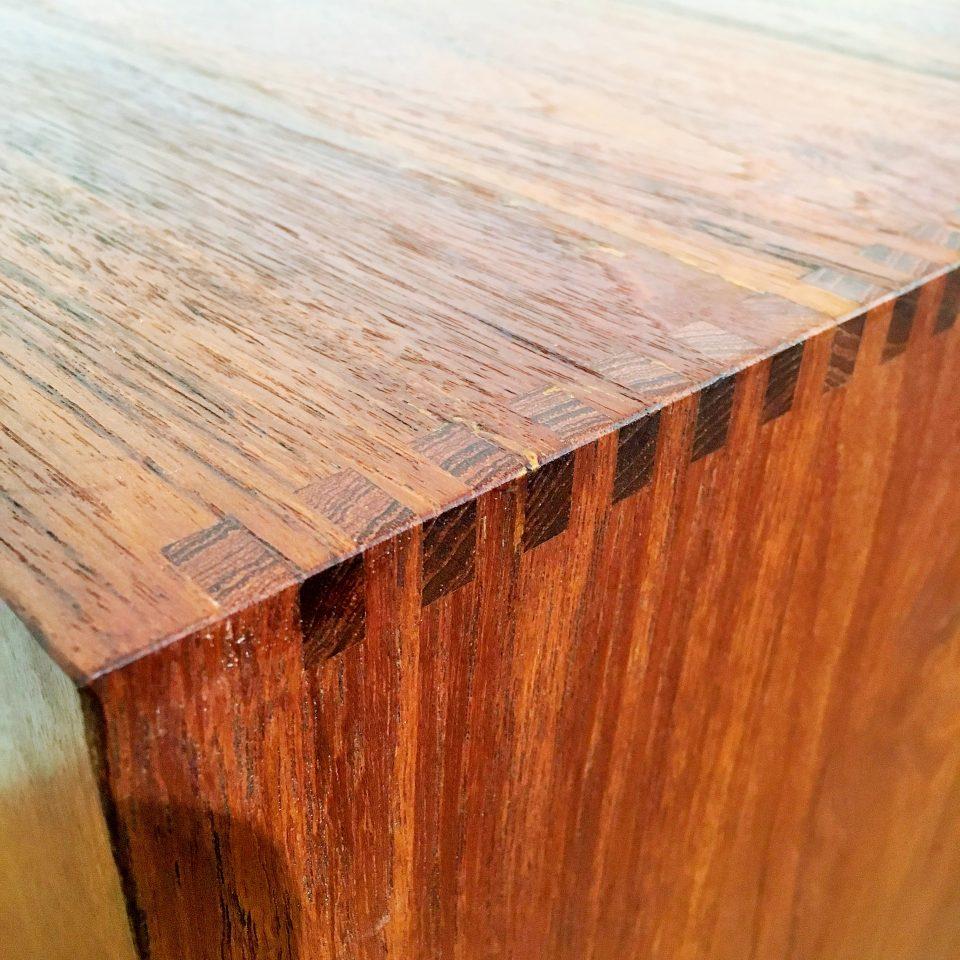 テーブル「キャビネット」