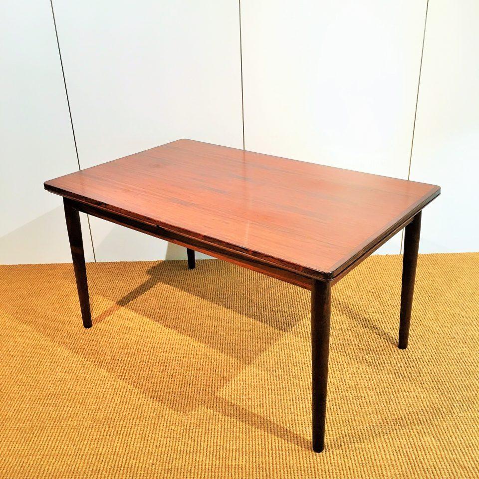 テーブル「ダイニングテーブル」