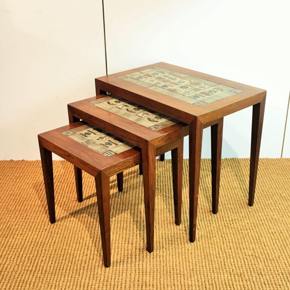 テーブル「タイルトップ ネストテーブル」