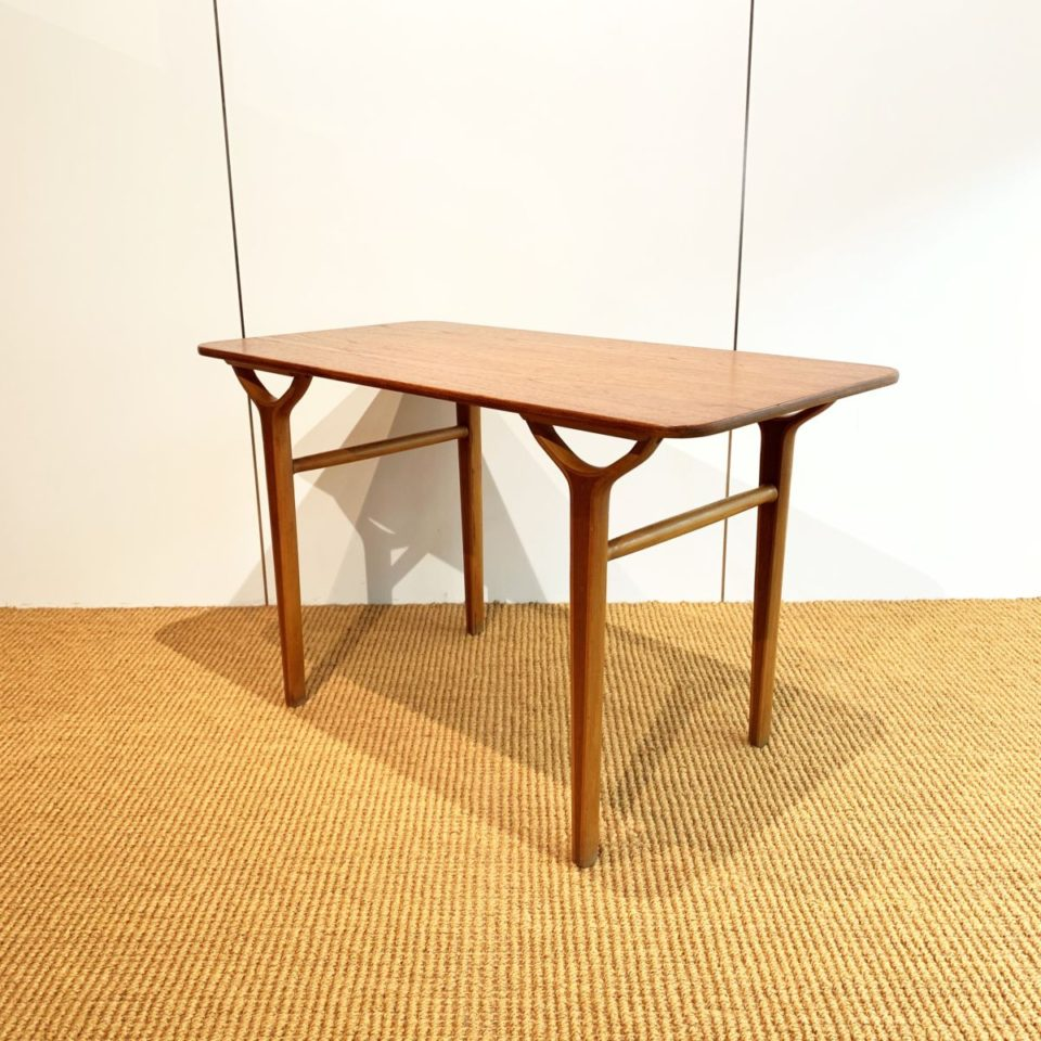 "テーブル「model-3650  ""AX-coffee table""」"